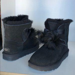 💝New Ugg Gita Pom Pom Suede Black Boots Size 7